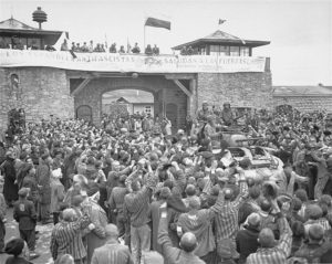 752px-Mauthausen_survivors_cheer_the_soldiers_of_the_Eleventh_Armored_Division